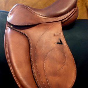 silla de doma doble faldon forrada con piel de becero